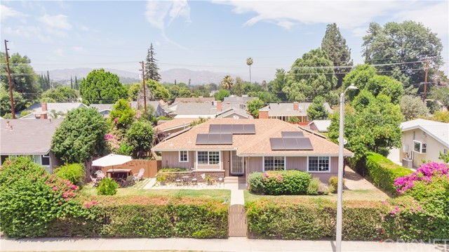 Photo of 23017 Victory Boulevard, West Hills, CA 91307