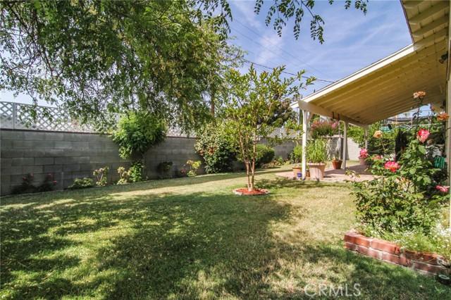17234 Flanders Street, Granada Hills CA: http://media.crmls.org/mediascn/64fde850-442e-4e56-9902-d9087729b737.jpg