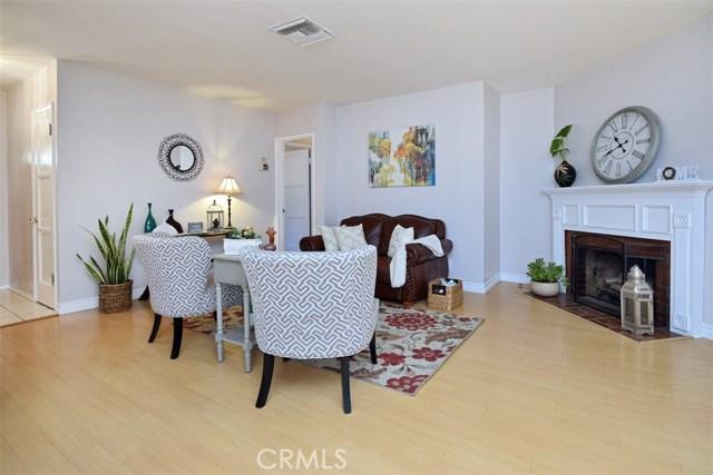 5825 Lemona Avenue, Sherman Oaks CA: http://media.crmls.org/mediascn/654556d3-8a27-4110-9ec9-5f0e2bf646ed.jpg