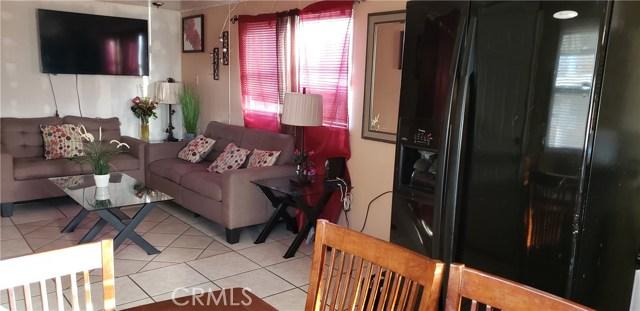 1617 Avenue I, Lancaster CA: http://media.crmls.org/mediascn/656870c5-b5ef-4332-ba9b-40c199b68618.jpg
