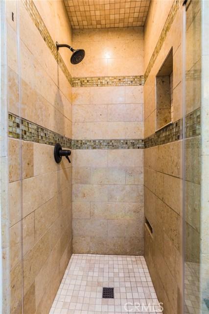984 Calle Contento, Thousand Oaks CA: http://media.crmls.org/mediascn/658a0e1f-ad1f-40db-b39a-1317dbcd56ac.jpg