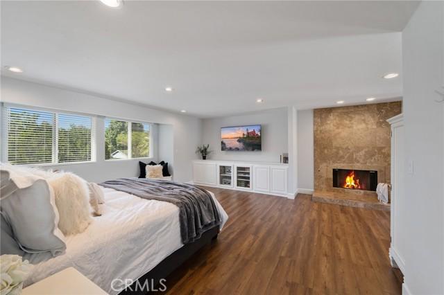 6140 Fenwood Avenue, Woodland Hills CA: http://media.crmls.org/mediascn/65a7fa0f-833a-431b-b453-2721e3c56d85.jpg