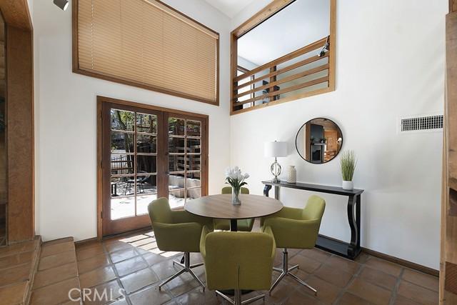 5245 Elvira Road, Woodland Hills CA: http://media.crmls.org/mediascn/65ae97ba-c06d-4208-8682-00a0063f89e1.jpg
