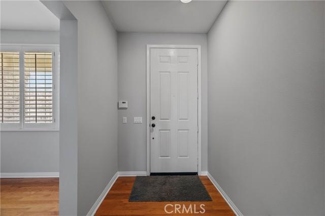 31130 Riverdale Place, Castaic CA: http://media.crmls.org/mediascn/65b8d7e7-ce9e-4552-8d9d-142ce1915fb3.jpg
