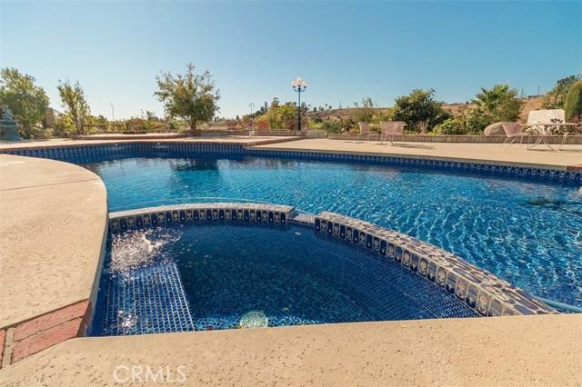Additional photo for property listing at 17728 Arvida Drive 17728 Arvida Drive Granada Hills, California 91344 United States
