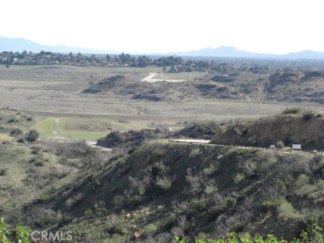 3 Woolsey Canyon Road, West Hills CA: http://media.crmls.org/mediascn/662ef8e2-ee84-414f-bedf-ea73d2f5faf2.jpg