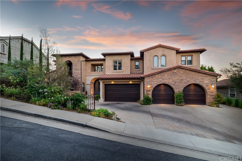 Photo of 22401 SOUTH SUMMIT RIDGE CIRCLE, Chatsworth, CA 91311
