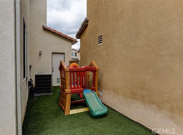 23814 Via Campana, Valencia CA: http://media.crmls.org/mediascn/66faeb1e-d5dd-488a-b1a0-1007052f3fd1.jpg