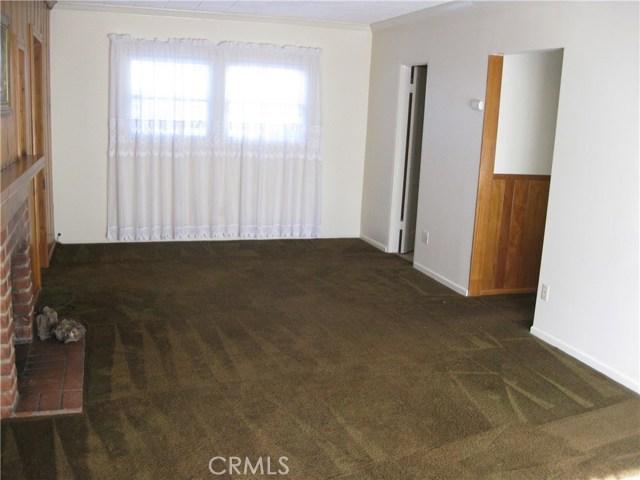 17540 Kingsbury Street, Granada Hills CA: http://media.crmls.org/mediascn/67665c47-d3fb-4717-aabe-c80480b08406.jpg