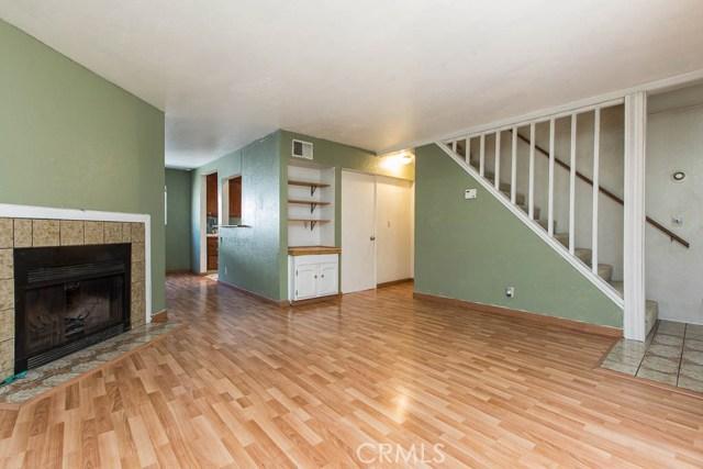 14018 Vanowen Street, Valley Glen CA: http://media.crmls.org/mediascn/67e4d415-0e08-4fa2-8d30-02893c010942.jpg