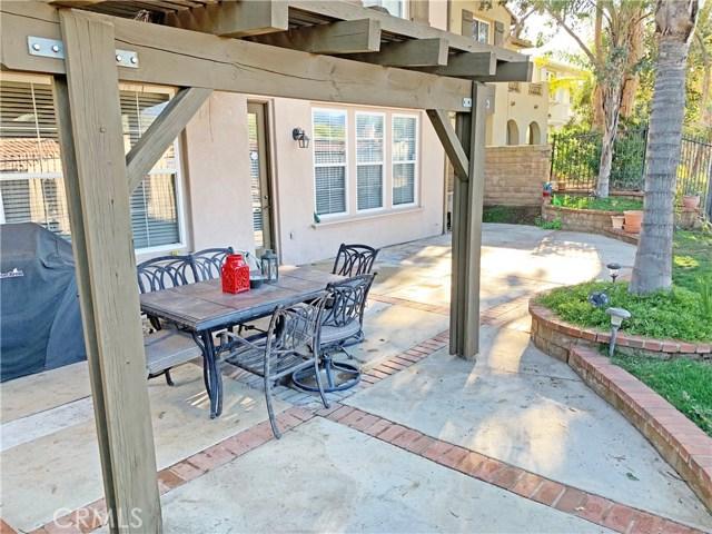 26915 Augusta Place, Valencia CA: http://media.crmls.org/mediascn/67f475ad-4bc4-4350-a730-ccf4619cdd07.jpg