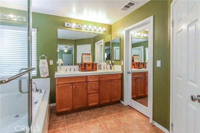 25226 Gloriso Lane, Stevenson Ranch CA: http://media.crmls.org/mediascn/68bca88a-af9f-4d48-9952-ea7553bc8d30.jpg