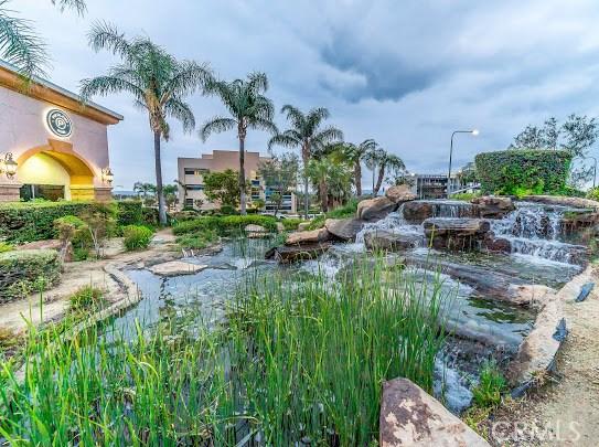 11760 Mariposa Bay Lane, Porter Ranch CA: http://media.crmls.org/mediascn/68e0723b-eb47-4d78-a363-6870b87aa98f.jpg