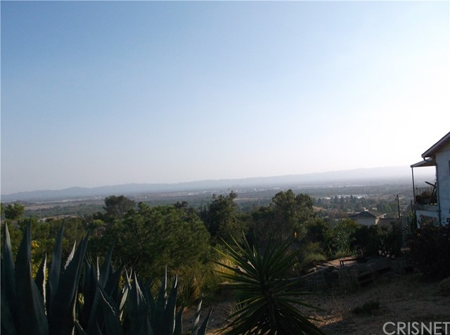 12000 Mountain View, Sylmar CA: http://media.crmls.org/mediascn/68ee71ec-d30f-4bdc-a3b5-505067288878.jpg