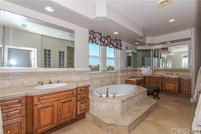 20112 Via Cellini Northridge, CA 91326 - MLS #: SR18163839