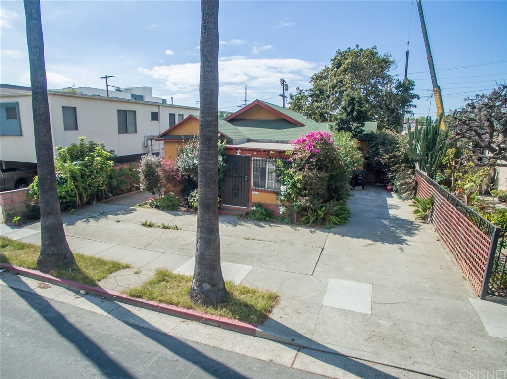 Property for sale at 1719 Beloit Avenue, Los Angeles,  CA 90025