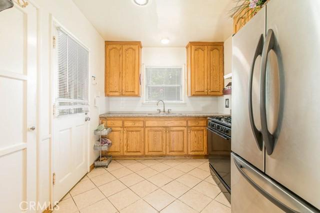17622 Cohasset Street, Lake Balboa CA: http://media.crmls.org/mediascn/69622a6d-084c-4e6e-afda-28bb9d2acbe4.jpg