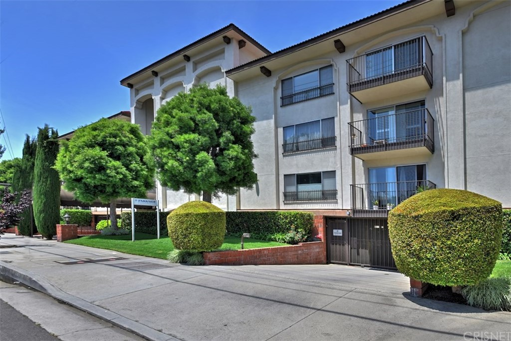 Photo of 12801 MOORPARK STREET #206, Studio City, CA 91604