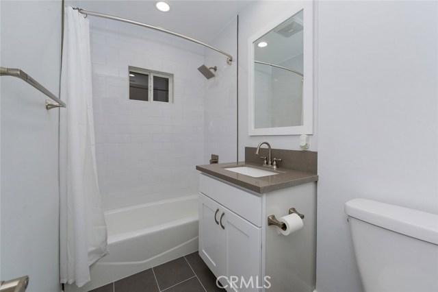 6034 Morella Avenue, North Hollywood CA: http://media.crmls.org/mediascn/69815e77-06bf-4d55-94f2-9e860c67b372.jpg