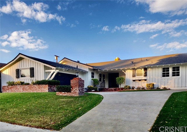 Photo of 5650 Ramara Avenue, Woodland Hills, CA 91367