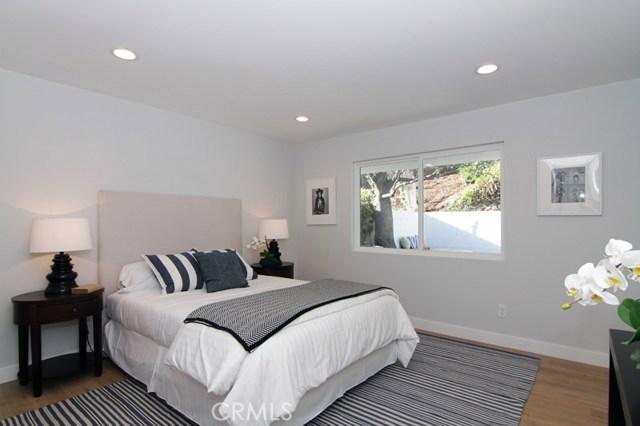23453 Oxnard Street Woodland Hills, CA 91367 - MLS #: SR17130454