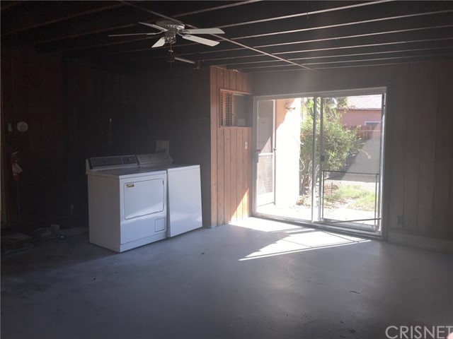 Additional photo for property listing at 6209  Goodland Avenue 6209  Goodland Avenue North Hollywood, California 91606 United States