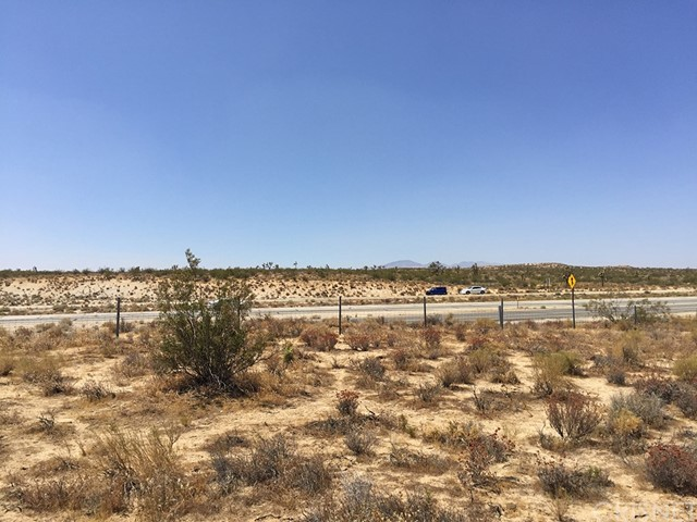 14 Fwy. North of Reed Avenue, Rosamond CA: http://media.crmls.org/mediascn/69d3823e-dc31-437d-bc13-113867824d17.jpg