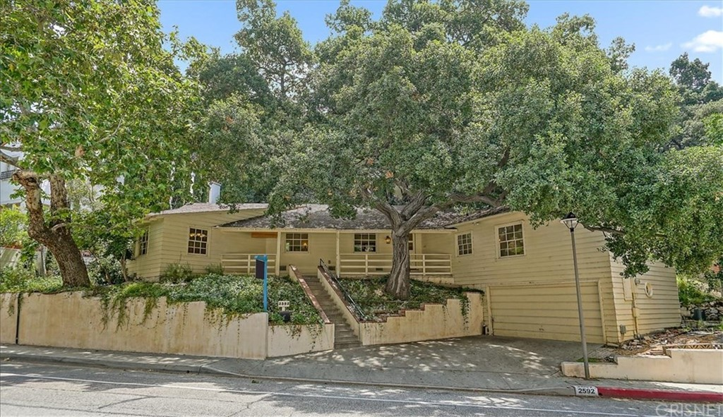 2592 E CHEVY CHASE Drive, Glendale, CA 91206