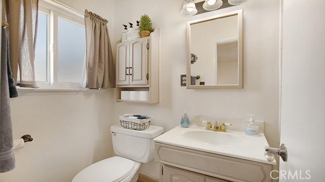 20338 Itasca Street, Chatsworth CA: http://media.crmls.org/mediascn/69e0d38d-8470-498d-89ed-e551287972d7.jpg