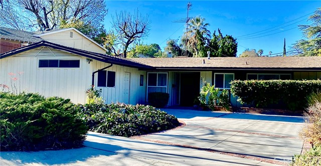 Photo of 5859 Laramie Avenue, Woodland Hills, CA 91367