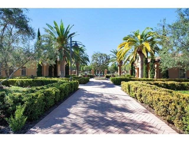 65 Bianco, Irvine CA: http://media.crmls.org/mediascn/6a4ec202-72d3-4250-a9e2-3c90a473c055.jpg