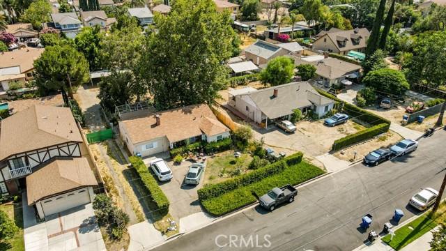 18320 Arminta Street, Reseda CA: http://media.crmls.org/mediascn/6a62b506-66cc-4169-8780-d0137e9999f2.jpg