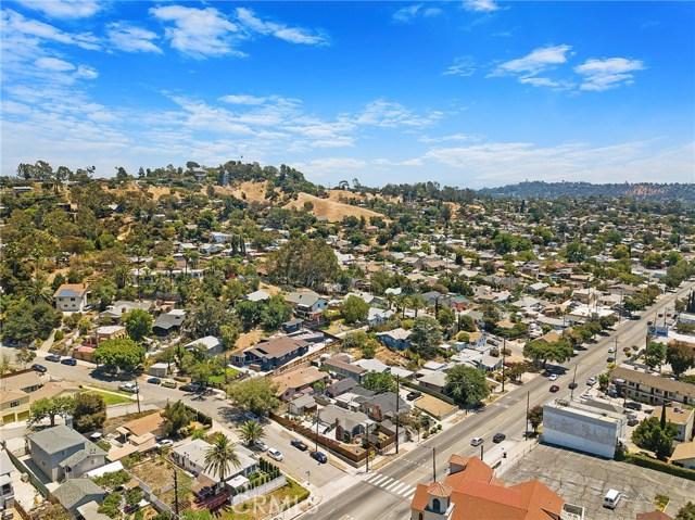 7132 N Figueroa Street, Eagle Rock CA: http://media.crmls.org/mediascn/6a6b1a2b-63c8-4c8d-b91b-162381fc4f2c.jpg