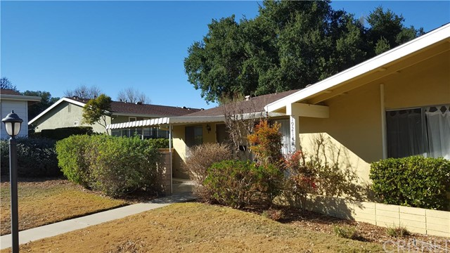 Property for sale at 19214 Avenue Of The Oaks #D, Newhall,  CA 91321