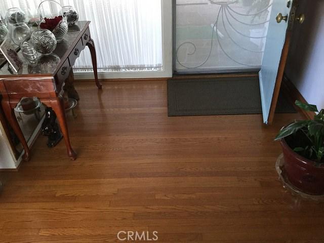 1266 Cary Avenue, Wilmington CA: http://media.crmls.org/mediascn/6a96efdd-7608-4462-999a-ffbd8b4591ff.jpg