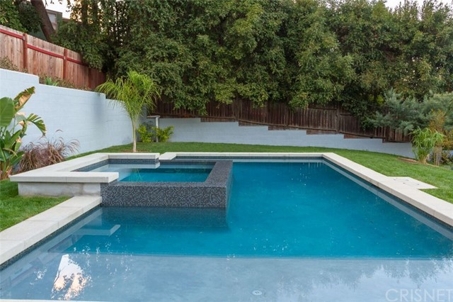 Additional photo for property listing at 3943  Kentucky Drive 3943  Kentucky Drive Los Angeles, California 90068 United States