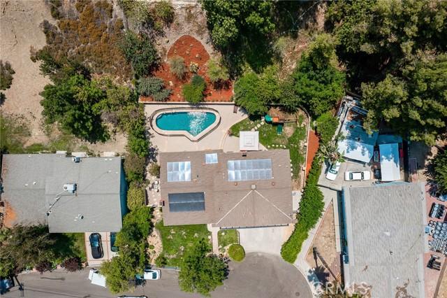 20324 Reaza Place, Woodland Hills CA: http://media.crmls.org/mediascn/6aca856b-bf66-42e3-9155-d9de5788c59b.jpg
