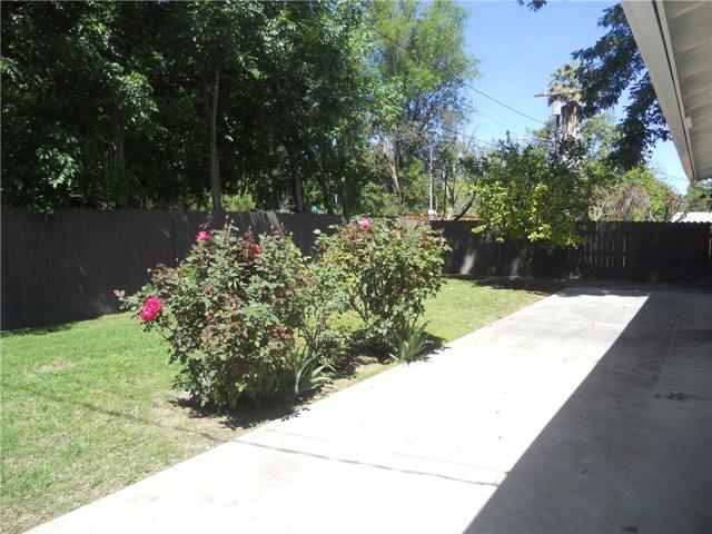6809 Sale Avenue, West Hills CA: http://media.crmls.org/mediascn/6ad422dc-d8e5-487b-8e28-388f46784b26.jpg