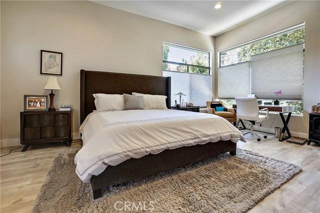4639 Club View Drive, Westlake Village CA: http://media.crmls.org/mediascn/6b04859c-7d1a-43fd-838a-25642f732ddb.jpg