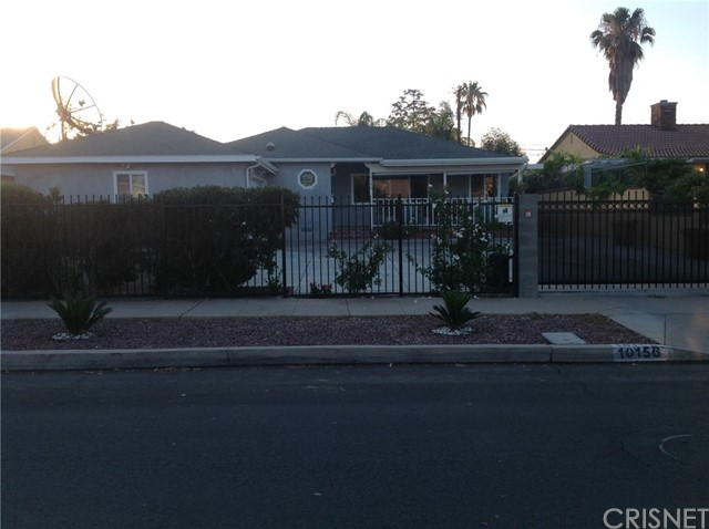 Single Family Home for Sale at 10156 Kester Avenue Mission Hills, California 91345 United States