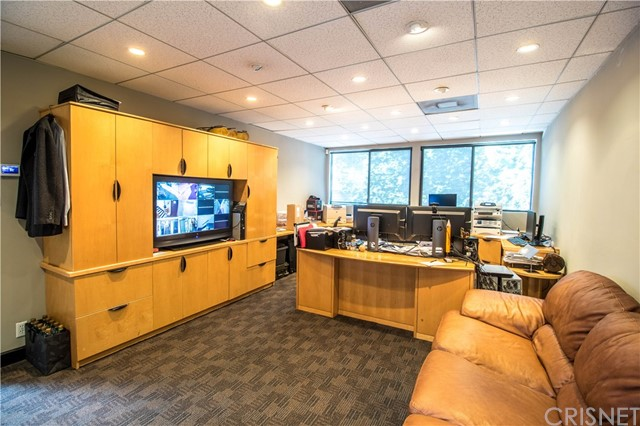 Offices for Sale at 1633 Westwood Boulevard Los Angeles, California 90024 United States