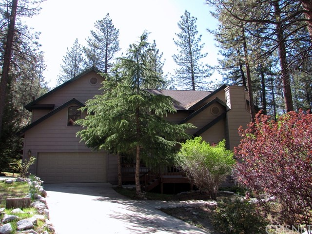 2117 Cypress Way, Pine Mtn Club CA: http://media.crmls.org/mediascn/6bfdda9f-9802-4bfe-95e3-b28226a4c9e8.jpg