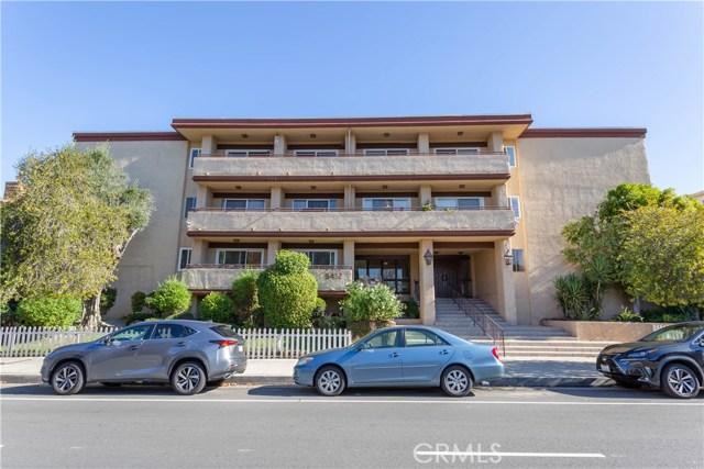 Photo of 5412 Lindley Avenue #303, Encino, CA 91316