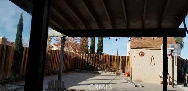 433 MAGNA VISTA CT, Palmdale CA: http://media.crmls.org/mediascn/6c6a2105-7d13-45dc-a16a-9241ed4d2c6d.jpg