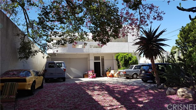 Single Family for Sale at 8721 Etiwanda Avenue Northridge, California 91325 United States