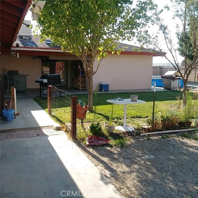 9749 Irene Avenue, California City CA: http://media.crmls.org/mediascn/6c82e733-5287-4a0b-a07f-29620bc67295.jpg