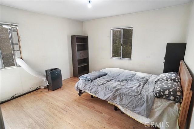 10930 Lull Street, Sun Valley CA: http://media.crmls.org/mediascn/6cb36361-3d6e-45c7-9ebf-a8824a29aa43.jpg