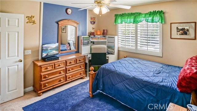 25938 Pope Place, Stevenson Ranch CA: http://media.crmls.org/mediascn/6cbb7983-0488-4e78-8a83-781fdfc13010.jpg