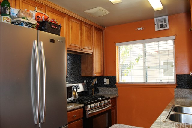 Residential for Sale at 7137 Coldwater Canyon Avenue Unit 3 7137 Coldwater Canyon Avenue North Hollywood, California 91605 United States