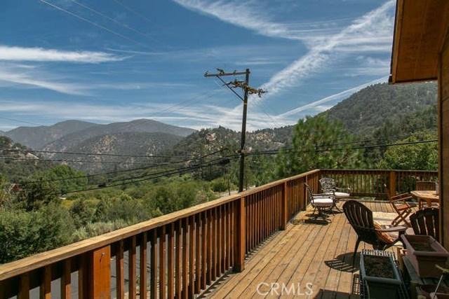 15312 Mil Potrero, Pine Mtn Club CA: http://media.crmls.org/mediascn/6d121242-1c6d-4cd2-b270-6e7a198858d9.jpg